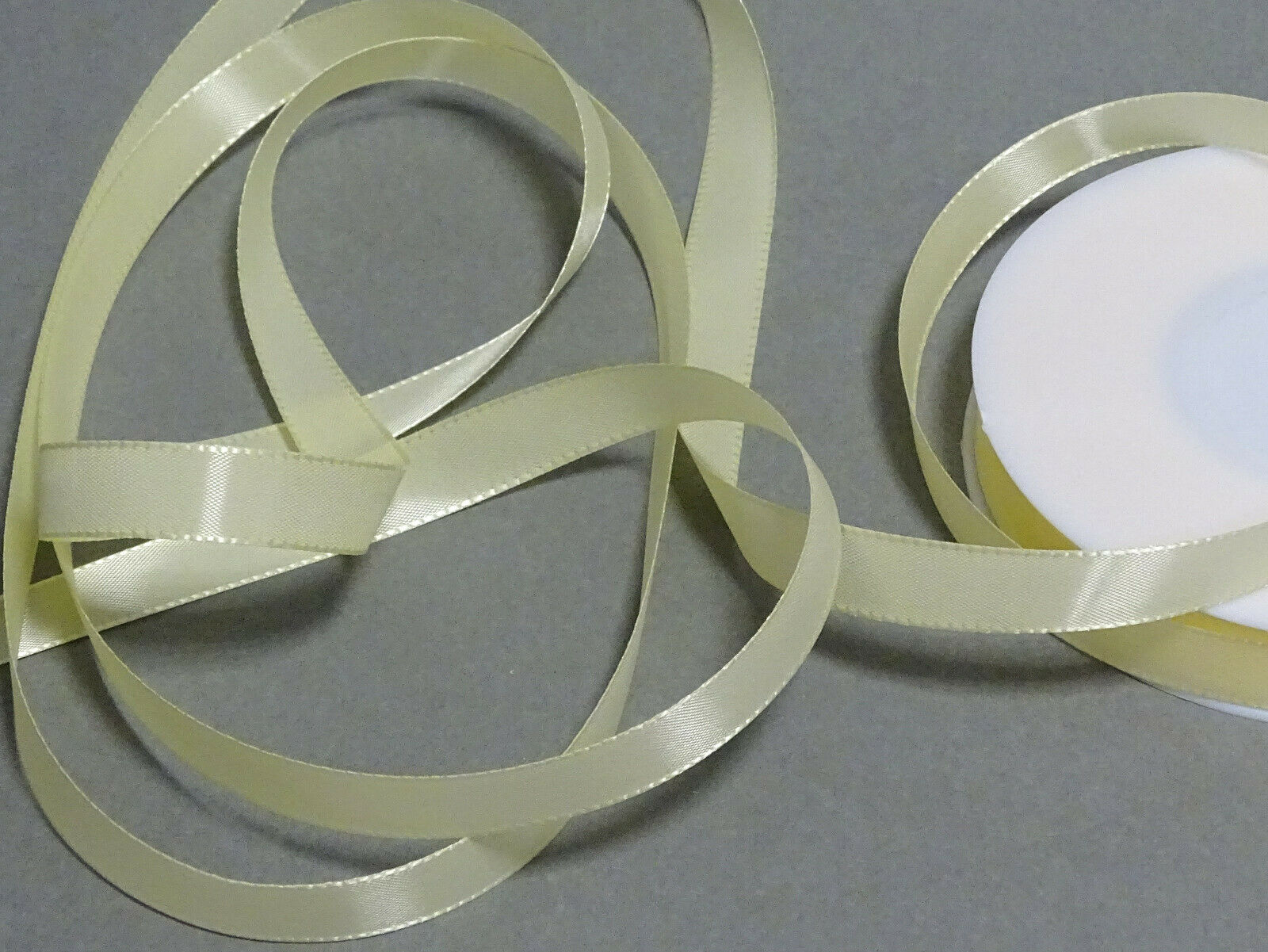 Seidenband Schleifenband 50 m x 15 / 25 / 40mm Dekoband ab 0,08€/m Geschenkband  - Creme 105, 40 mm x 50 m